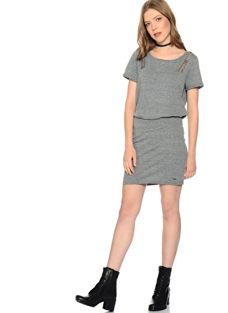 Only Omuz Detaylı Elbise