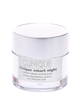 Clinique Smart Akıllı Onarım Gece Kremı Yağlı Ciltler Nemlendirici