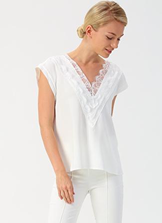 42 Ekru İpekyol Yakası Dantel Detaylı Bluz 5002422460004 Kadın Giyim Gömlek &