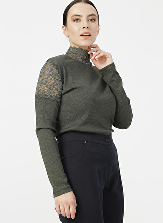 Selen Yeşil Dantel Detaylı Bluz