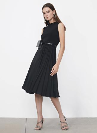 İpekyol Triko Piliseli Siyah Elbise