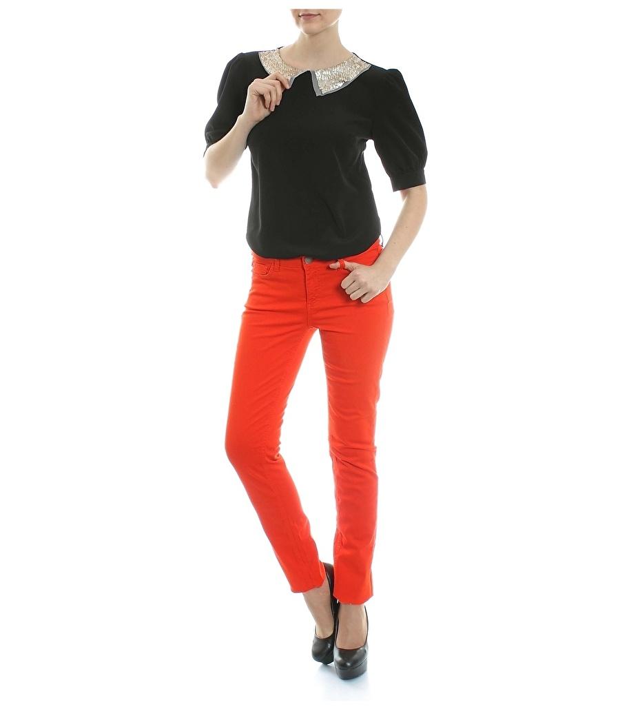 34 Neon Kırmızı Caramel Pantolon Kadın Giyim