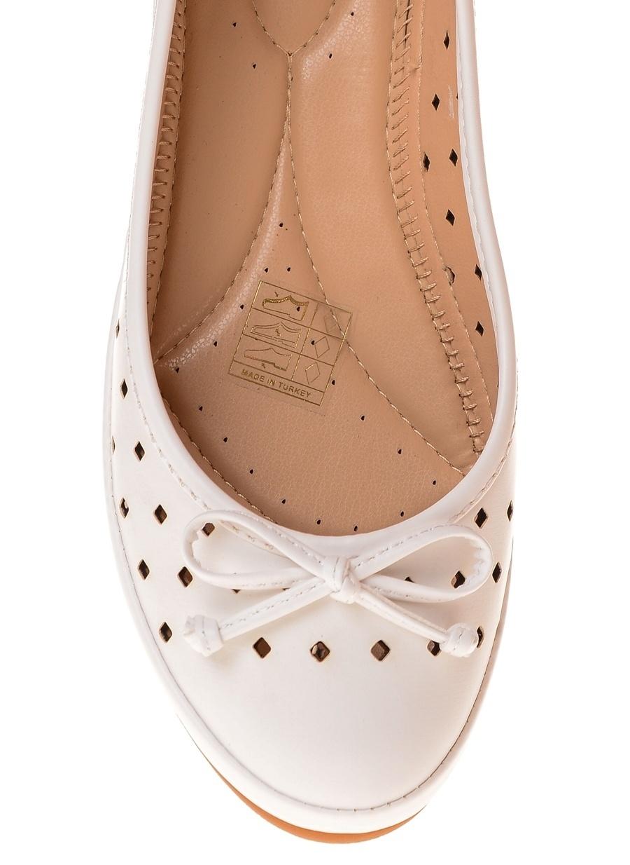 36 Beyaz Punto Delikli Babet Ayakkabı Çanta Kadın