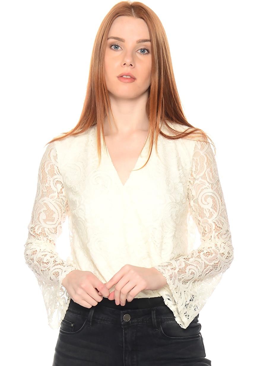 38 Beyaz Lipsy Dantelli Bluz Kadın Giyim Gömlek