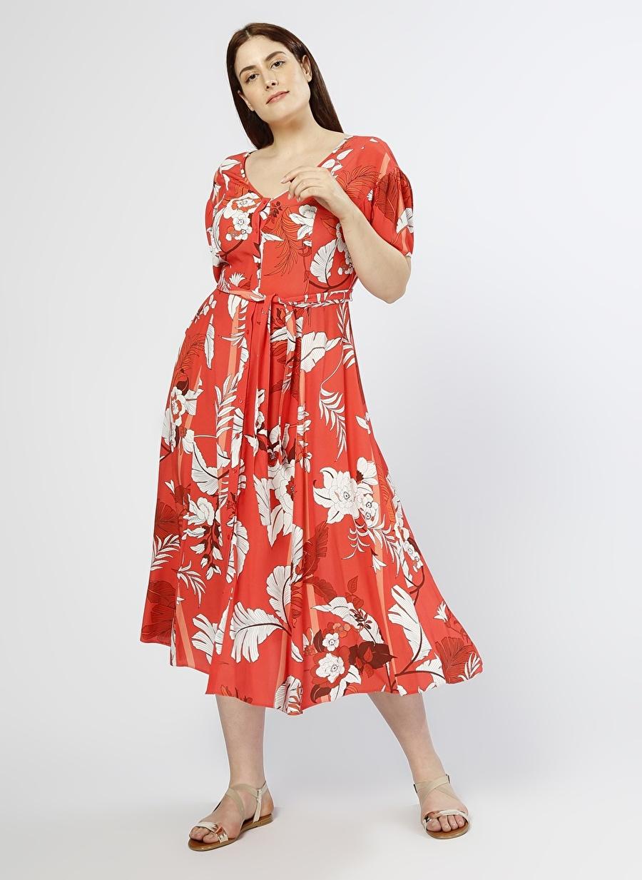 40 Kırmızı Random Çiçek Desenli Elbise Kadın Giyim