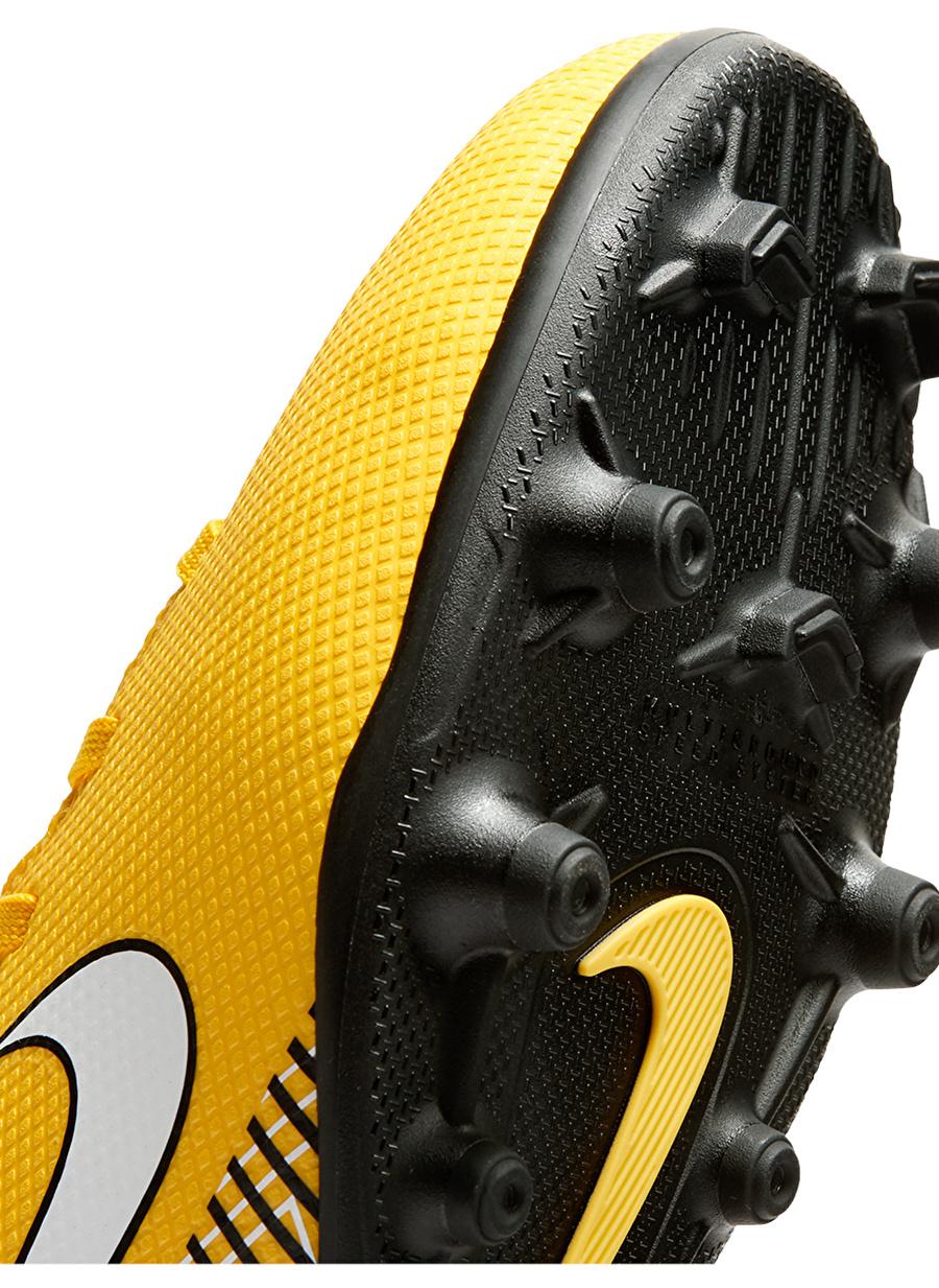 Nike Halı Saha Ayakkabısı