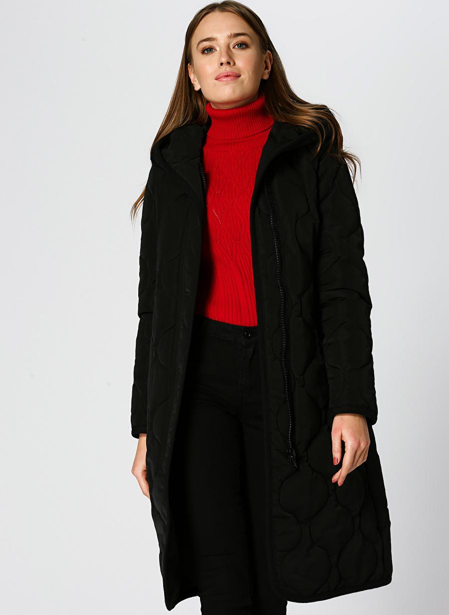 40 Siyah Ekol Dg Kapüşonlu Uzun Kapitone Manto Kadın Dış Giyim Mont