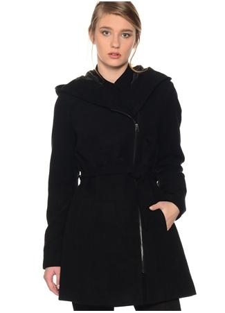 Siyah Belden Kuşaklı Ceket